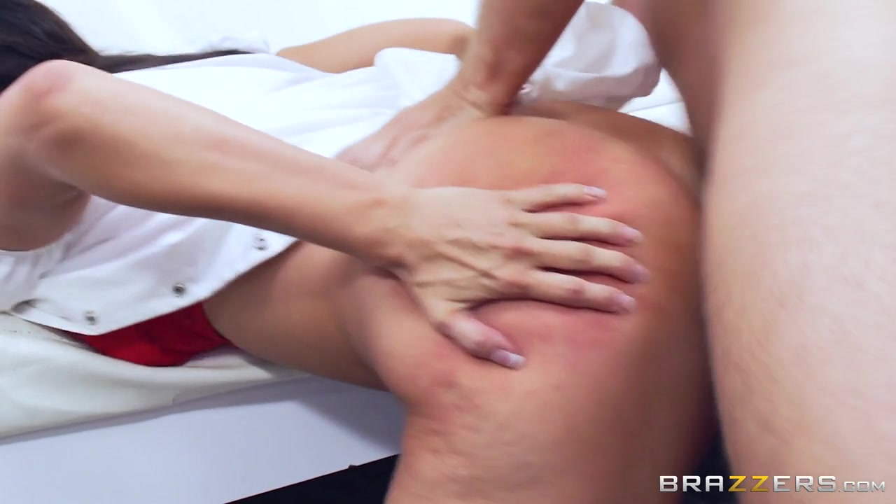 Reagan Foxx & Keiran Lee in Pushing For A New Prescription - Brazzers