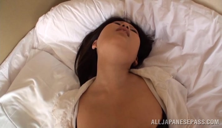 Passionate Asian doll enjoys amateur doggy style sex