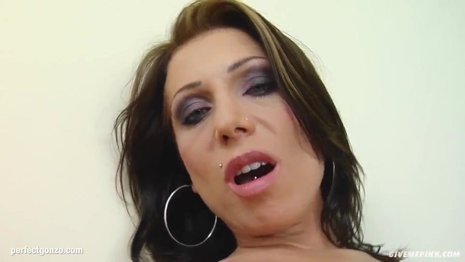 Eliza being solo masturbating on Give Me Pink with passion