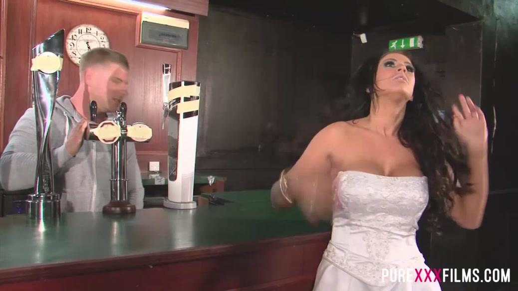 Busty Cuckold Bride shagging the bartender Brooklyn Blue