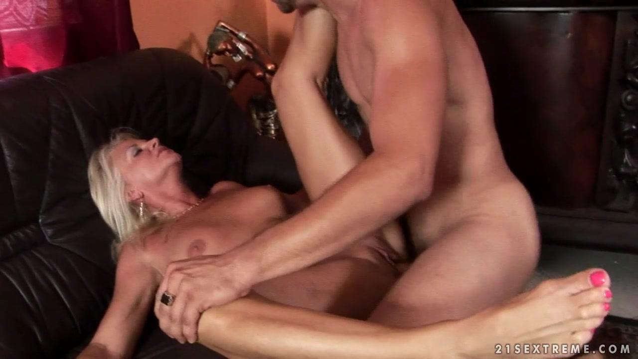 21Sextreme Video: Badass Grandma
