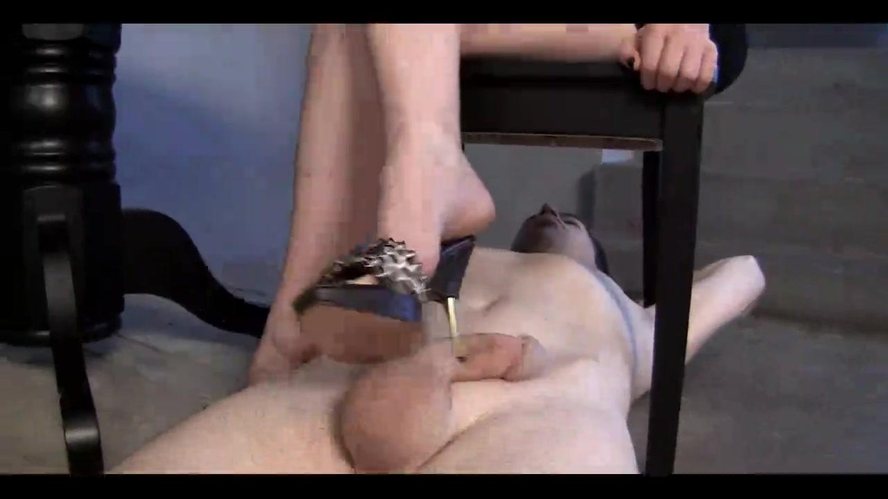 blonde dominatrix-bitch hot footjob - villein cleans up