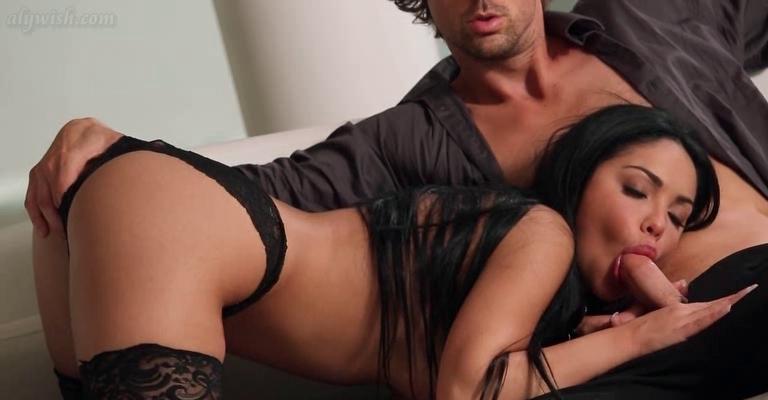 gorgous brunette hair in nylons tasiting a shlong