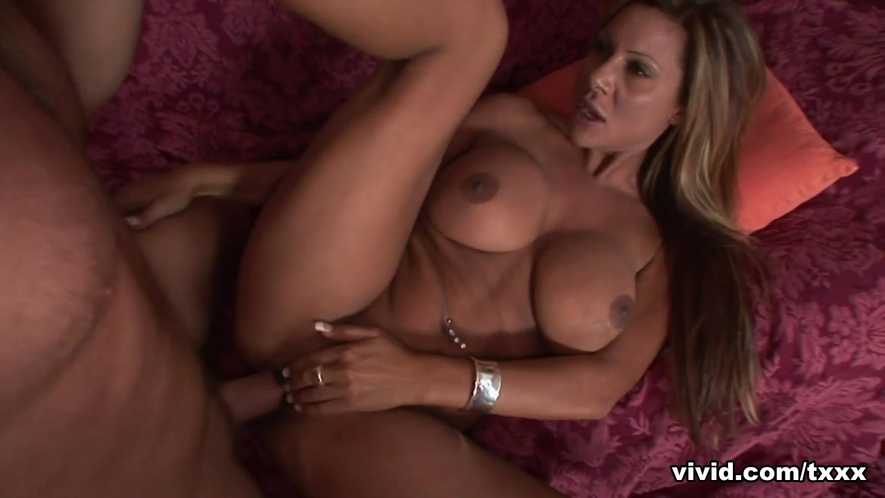 40 Year Old DD Moms - Vivid