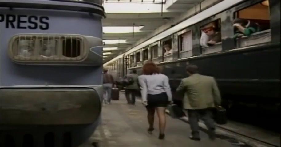 Sesso in Treno. Film Classico Italiano.