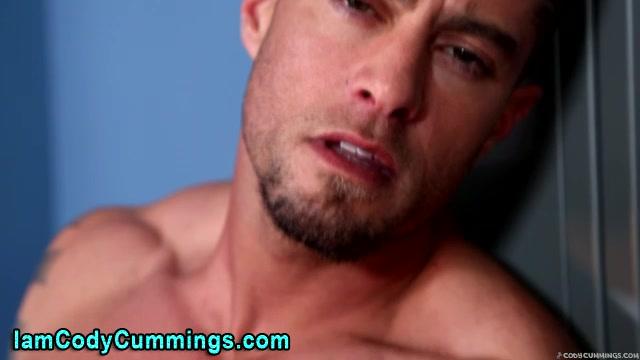 Pornstar Cody Cummings locker room tug