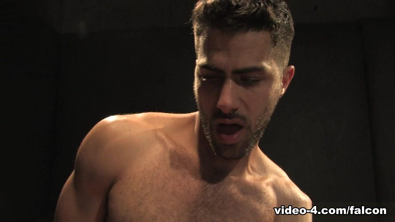 Hole 2 XXX Video: Joe Parker & Adam Ramzi - FalconStudios