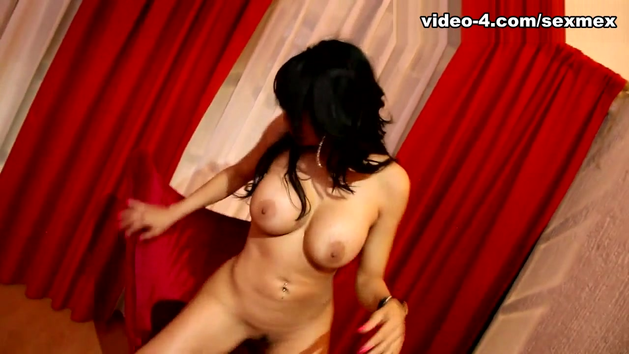 Gaby García in Erotic - SexMex