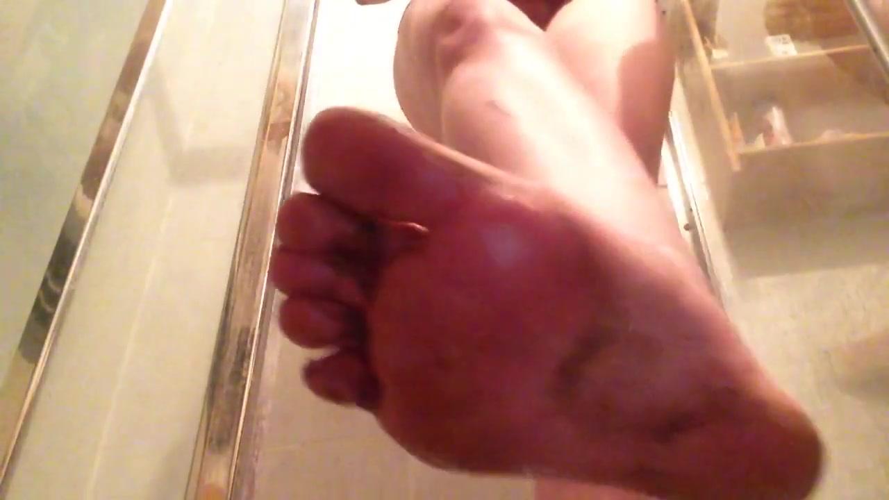 Cleaning my dirty muddy feet
