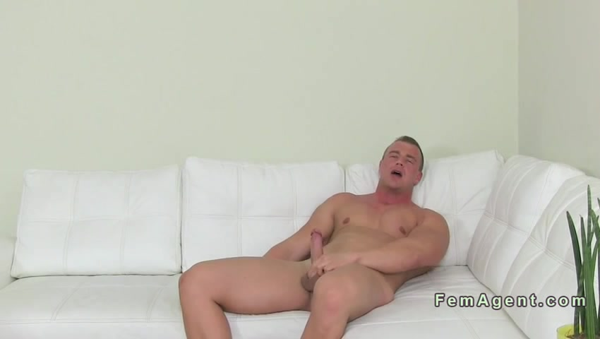 Muscled amateur dude fucks female agent in an office