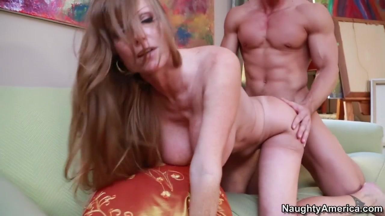 Darla Crane & Johnny Castle in Seduced by a Cougar