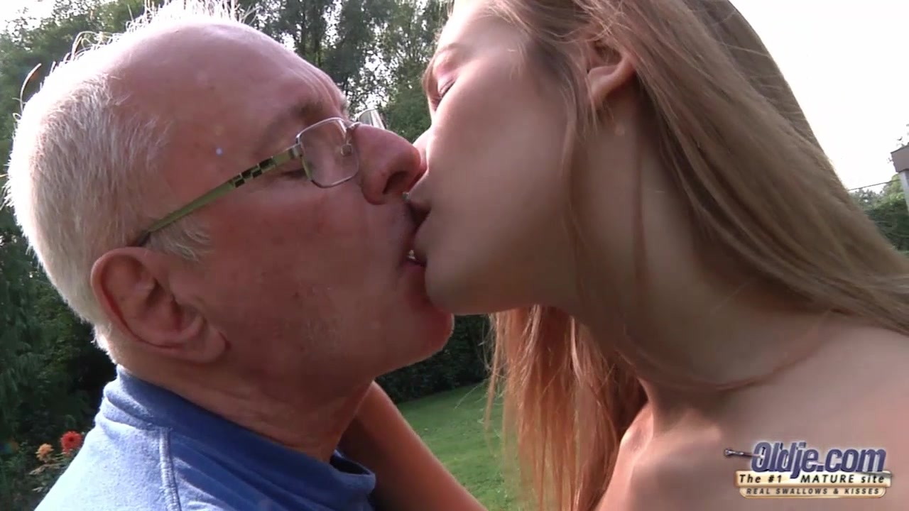 Young Old Porn Beautiful Teen Giving Blowjob and fucked