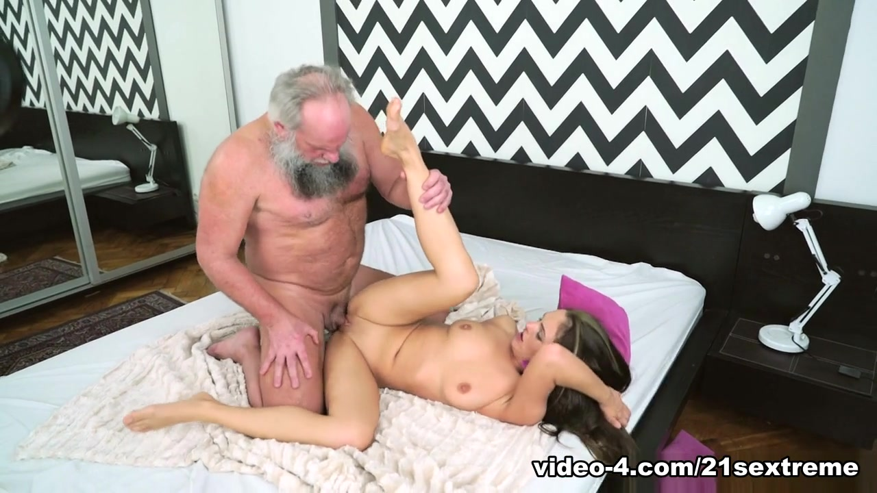Dominica Fox & Albert in Grandpa's Appetite - 21Sextreme