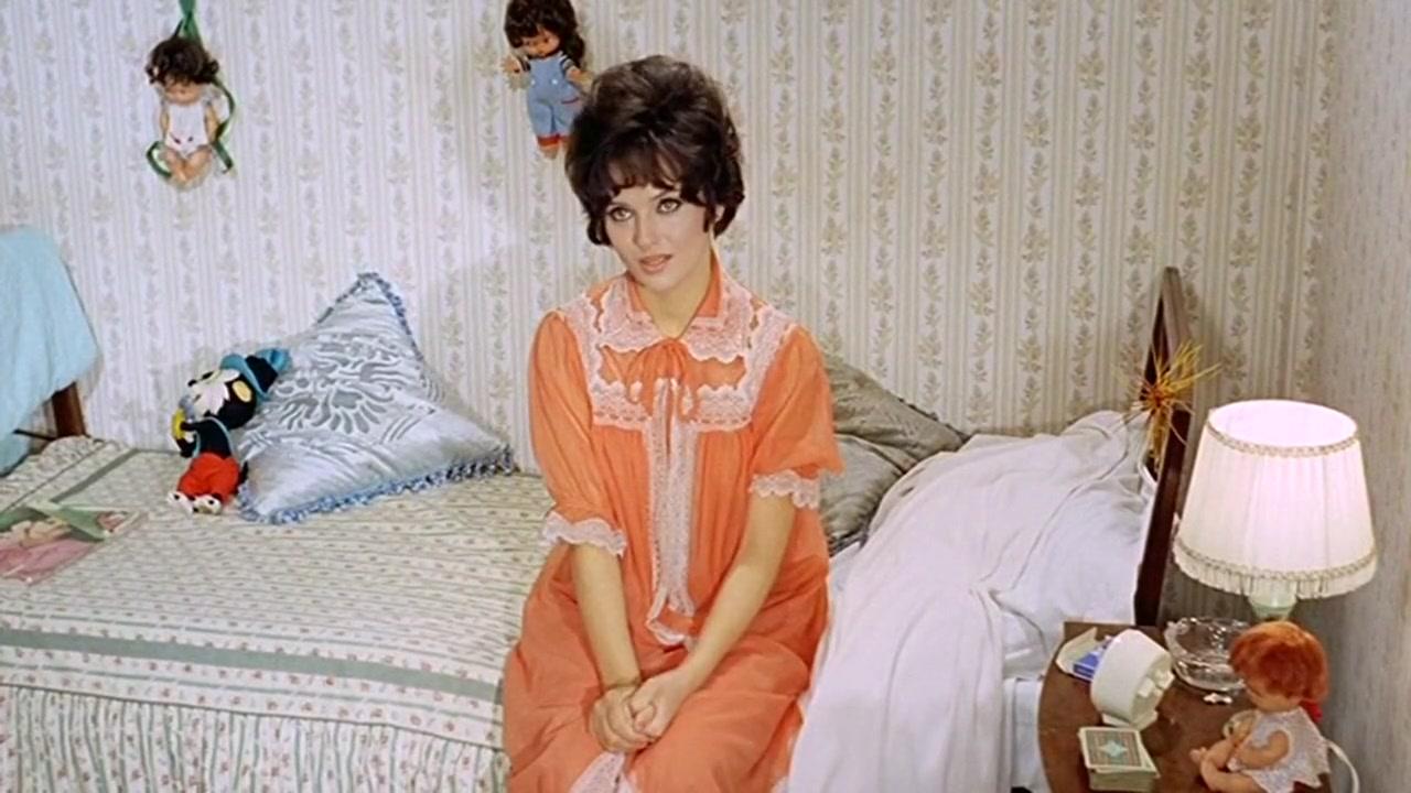 Nude Femi Benussi in Omicidio per vocazione (1968)