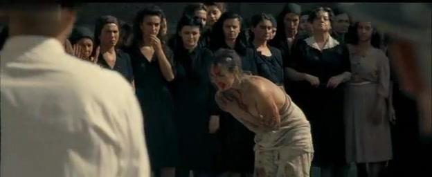 Monica Bellucci,Elisa Morucci in Malena (2000)