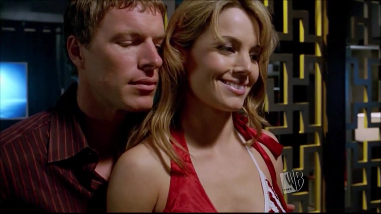 Allison Mack,Erica Durance,Sarah Carter in Smallville (TV) (2000)