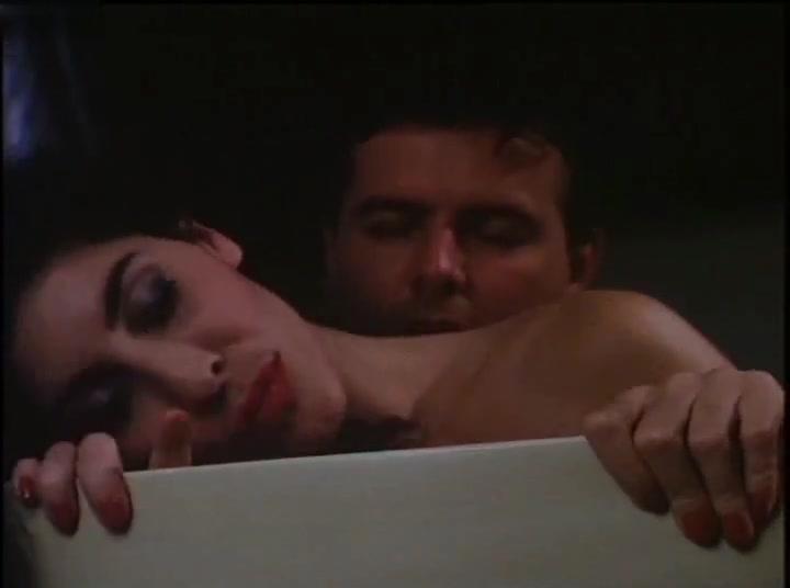 Milly D'Abbraccio,Valentine Demy,Daniela Alviani,Emy Valentino in Intrigo D'amore (1988)