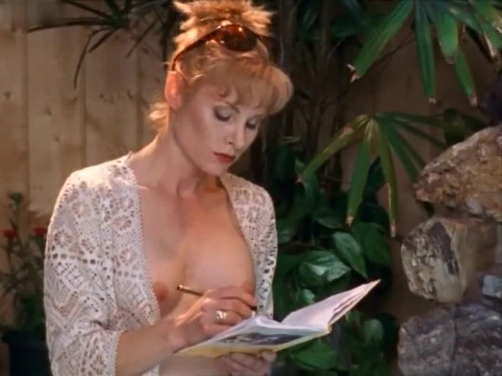 Kelli McCarty,Renee Rea,Flower Edwards,Monique Parent,Devinn Lane in Passion's Peak (2000)
