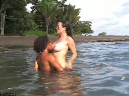 Nikki Fritz in Nikki Fritz's Costa Rica Blowjob DVD (2006)