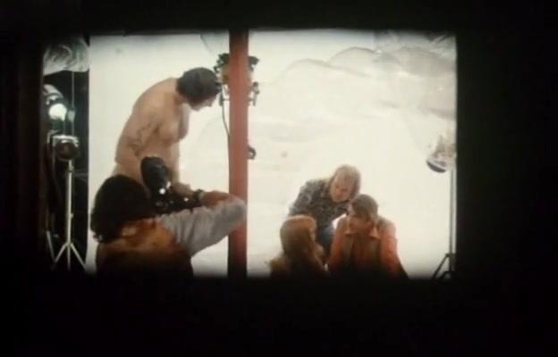Sylvia Kristel,Unknown in Naakt Over De Schutting (1973)