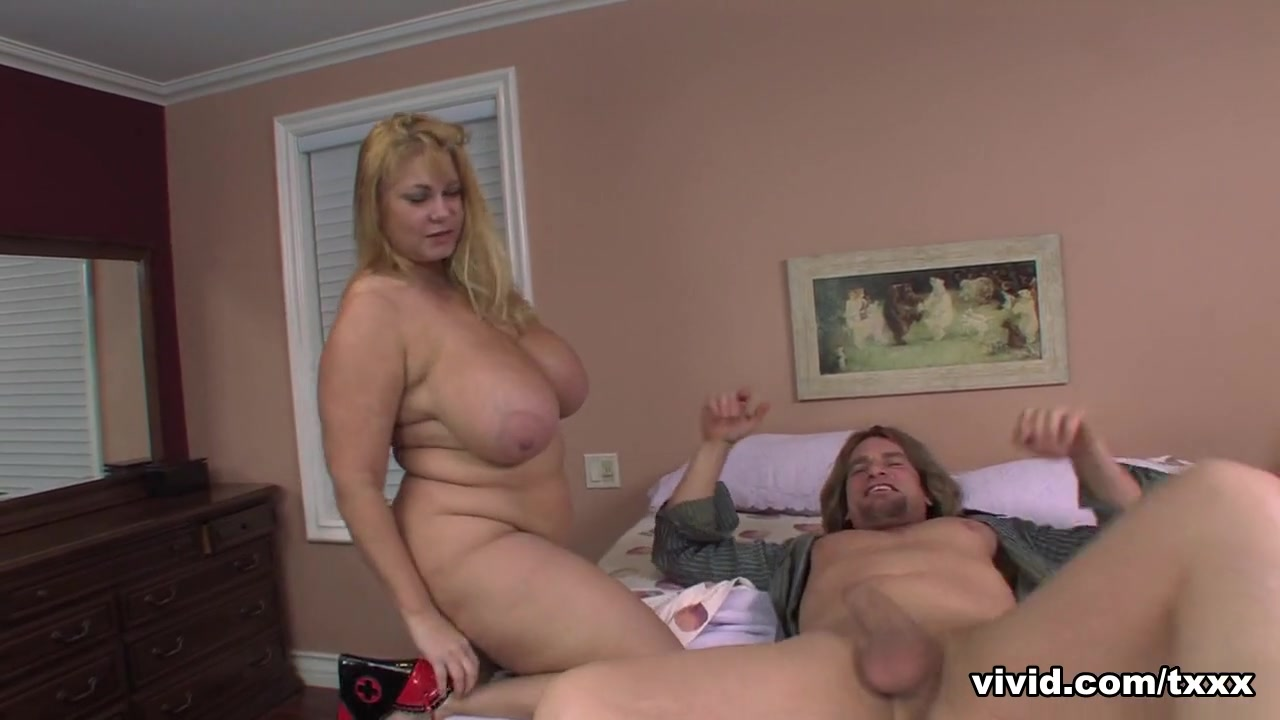 Aliysa Moore & India Summer & Lisa Sparxxx & Samantha Anderson in Sister Wives XXX: A Porn Parody - Part 1 - Vivid