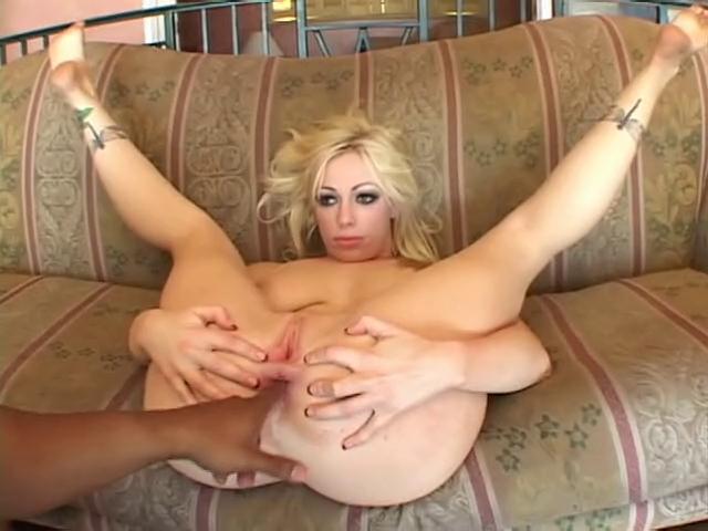 Hot under breast area