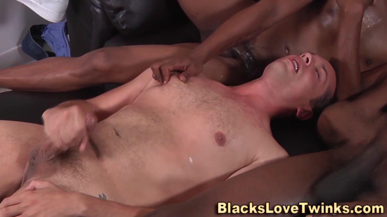 Amateur interracial 3some