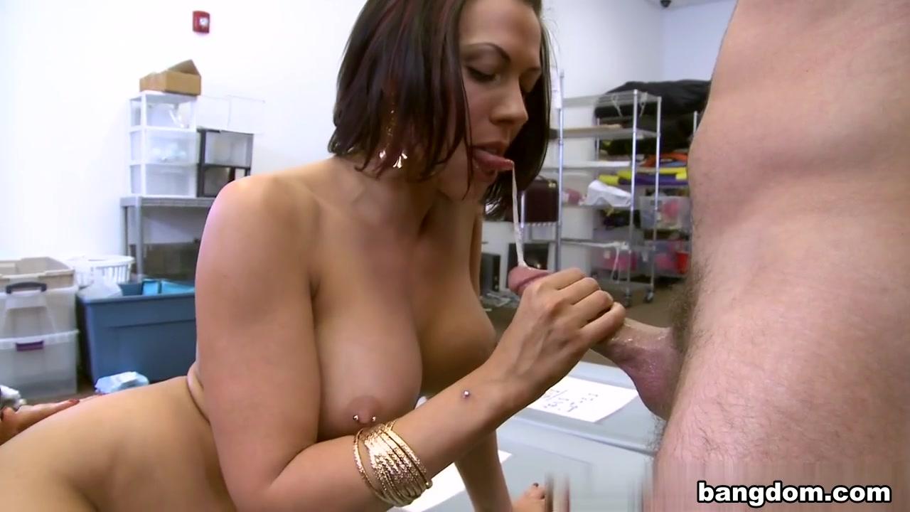 Rachel Starr, Alexis Fawx in Porn-Stars Tag Team