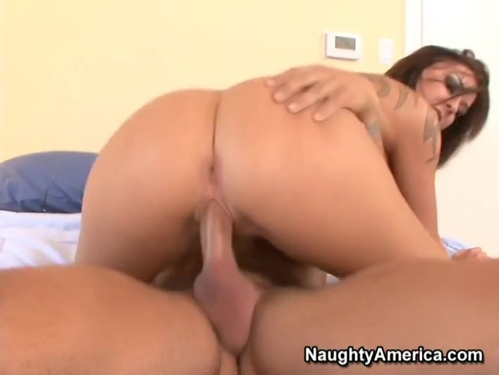 Chayse Evans & Alan Stafford in Naughty America