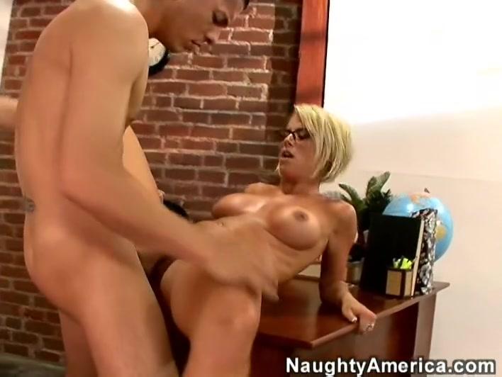 Kayla Synz & Alex Gonz in My First Sex Teacher