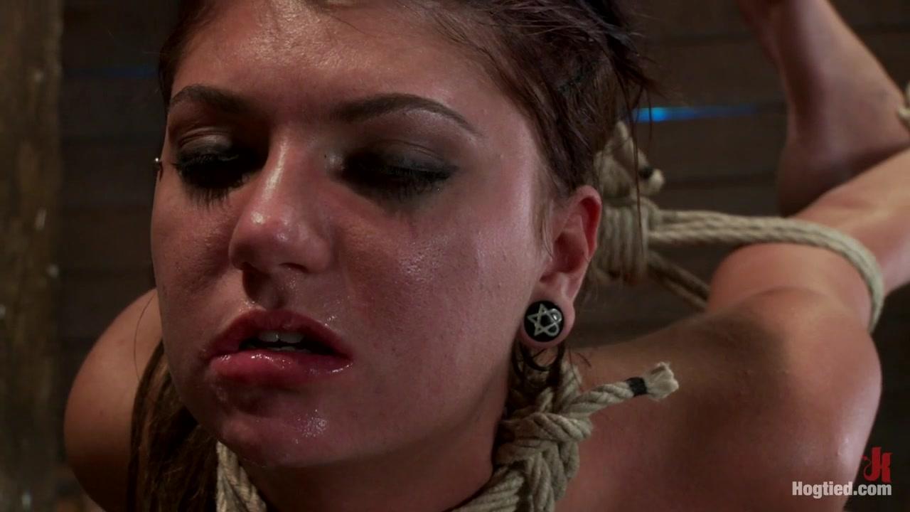 Cassandra Nix & Isis Love in Cassandra Nix Live Show Part 2 - HogTied