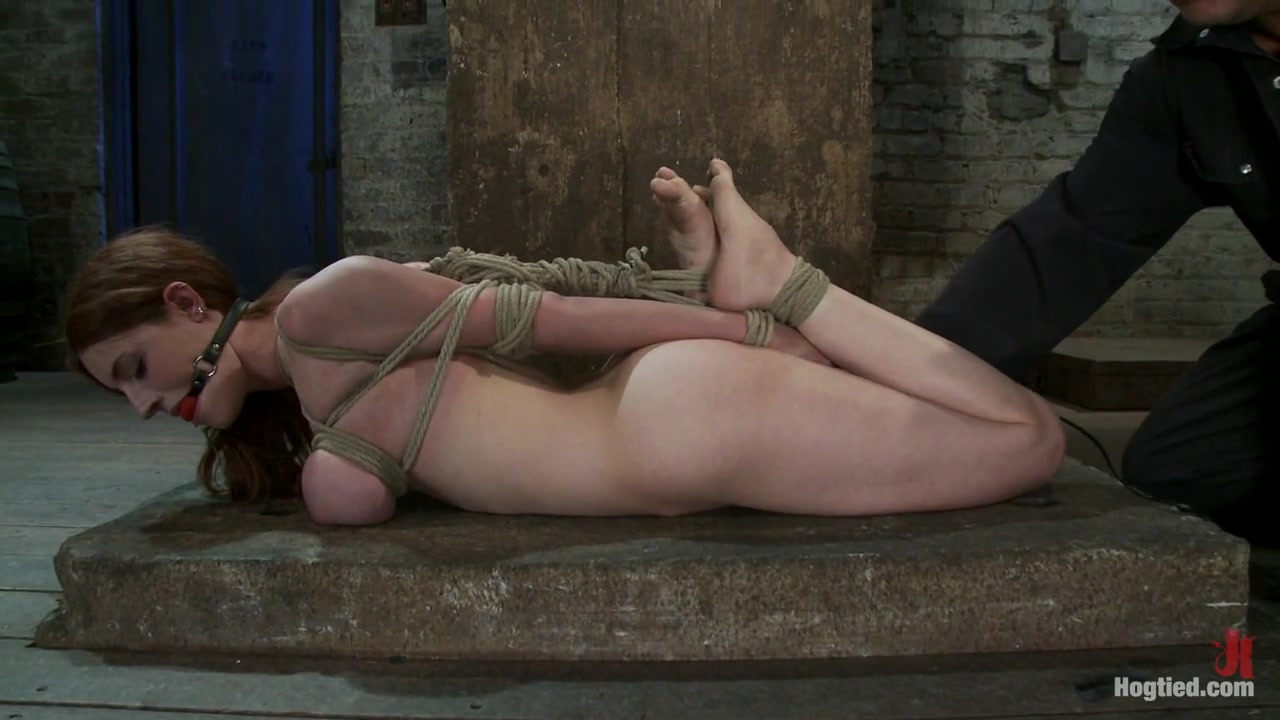Iona Grace in Is That Kristen Stewart?18 Years Old, Huge Natural Tits. - HogTied