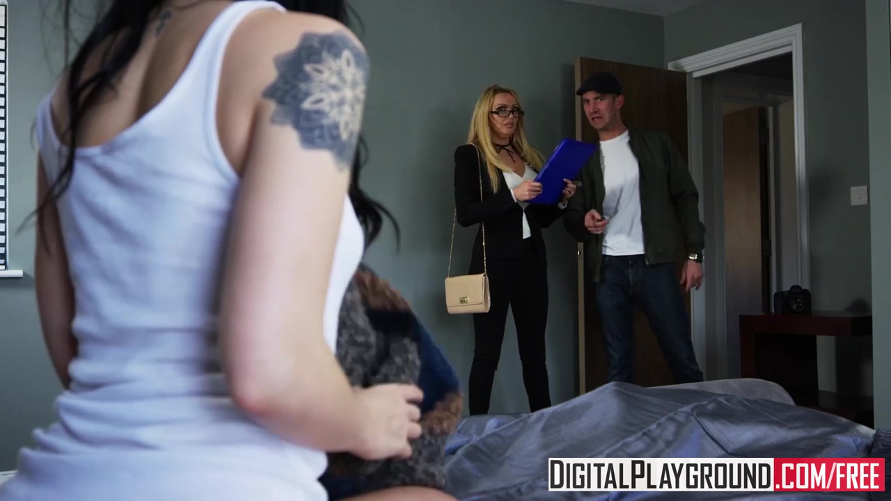 XXX Porn video - Alessa Savage - Hard Sell