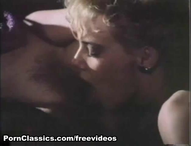 Karine Gambier & Corinne Lemoine in Sweet Taste of Honey Video