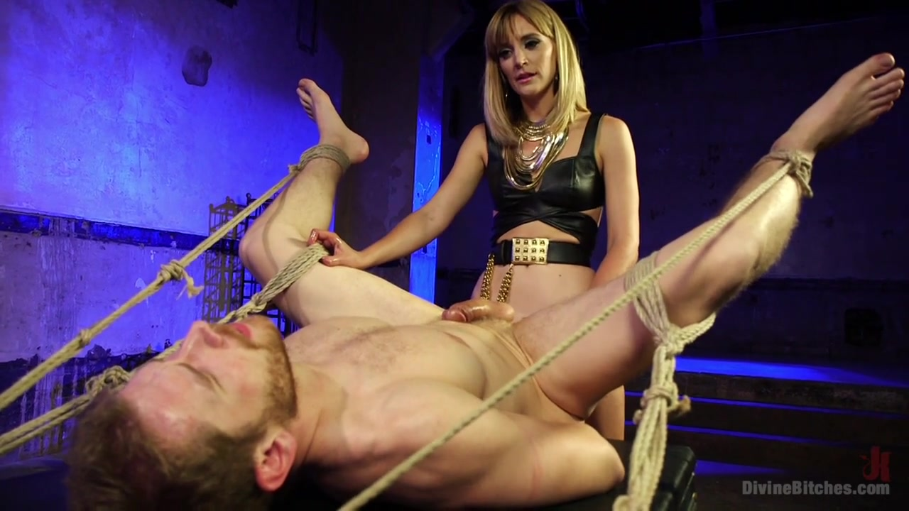 Mona Wales & Alex Adams in Going Deep - DivineBitches
