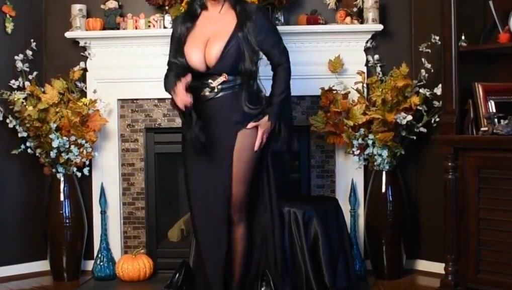 Elvira is fucking hot