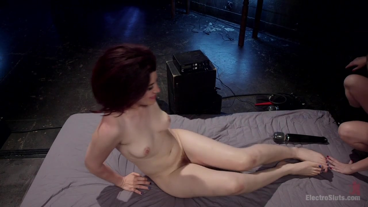 Ingrid Mouth & Aiden Starr in Lesbian Porn Crush: Predicament Bondage, Fisting & Anal Electrosex - Electrosluts