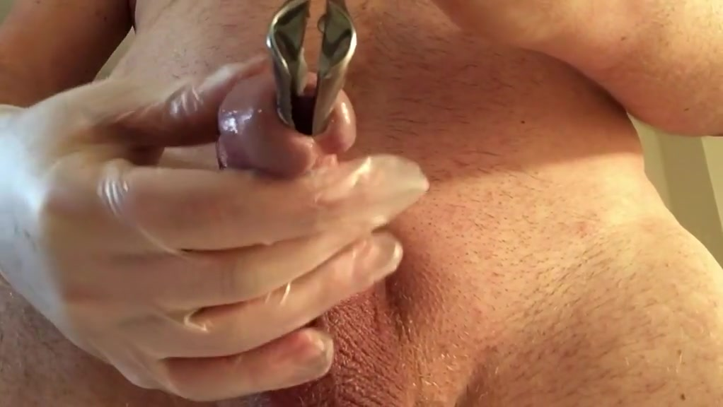Cumming into my cervix with speculum