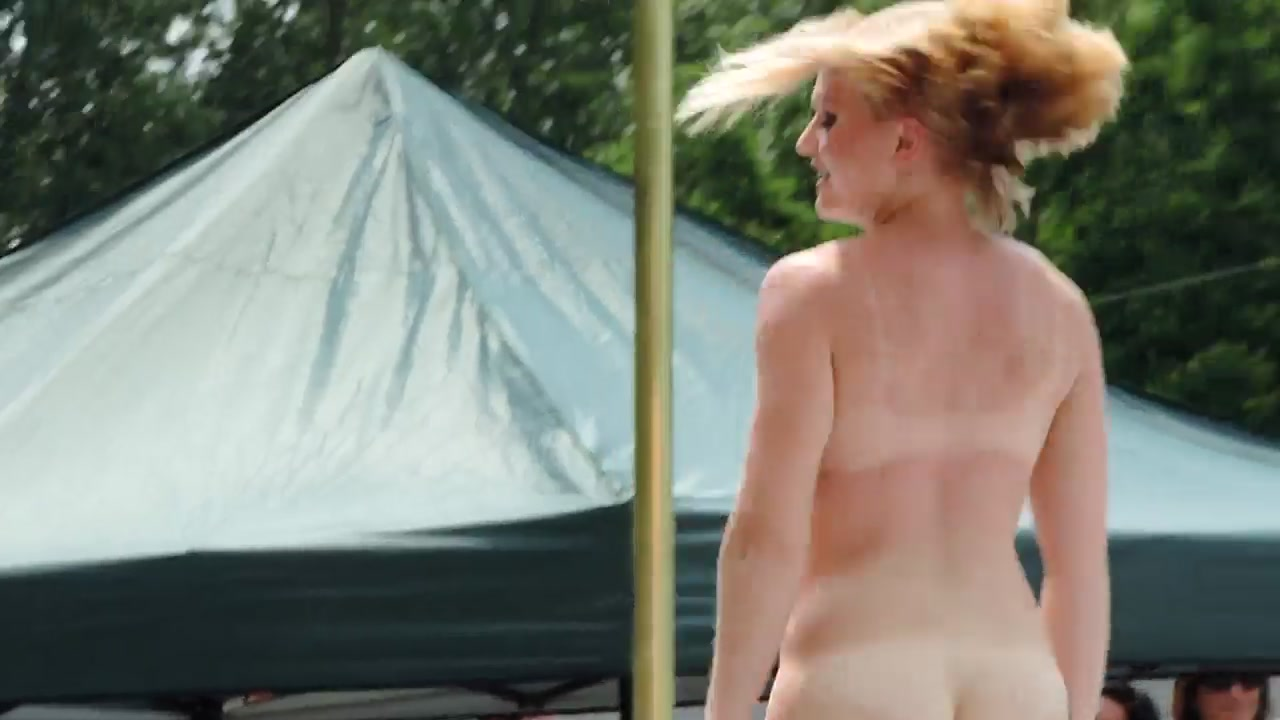 Reagan Reilly's striptease at 2014 Nudes-a-poppin