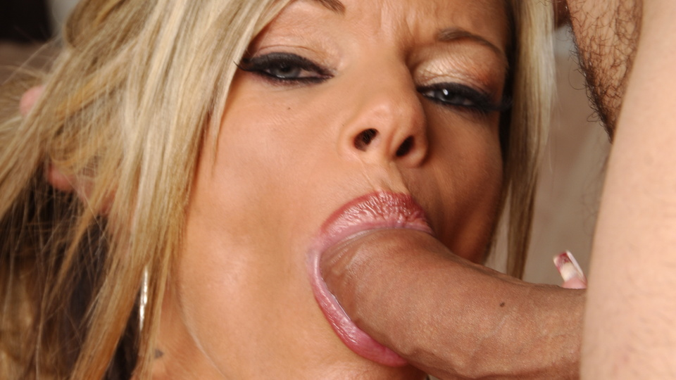 Gif kristal summers gives blow job — 9