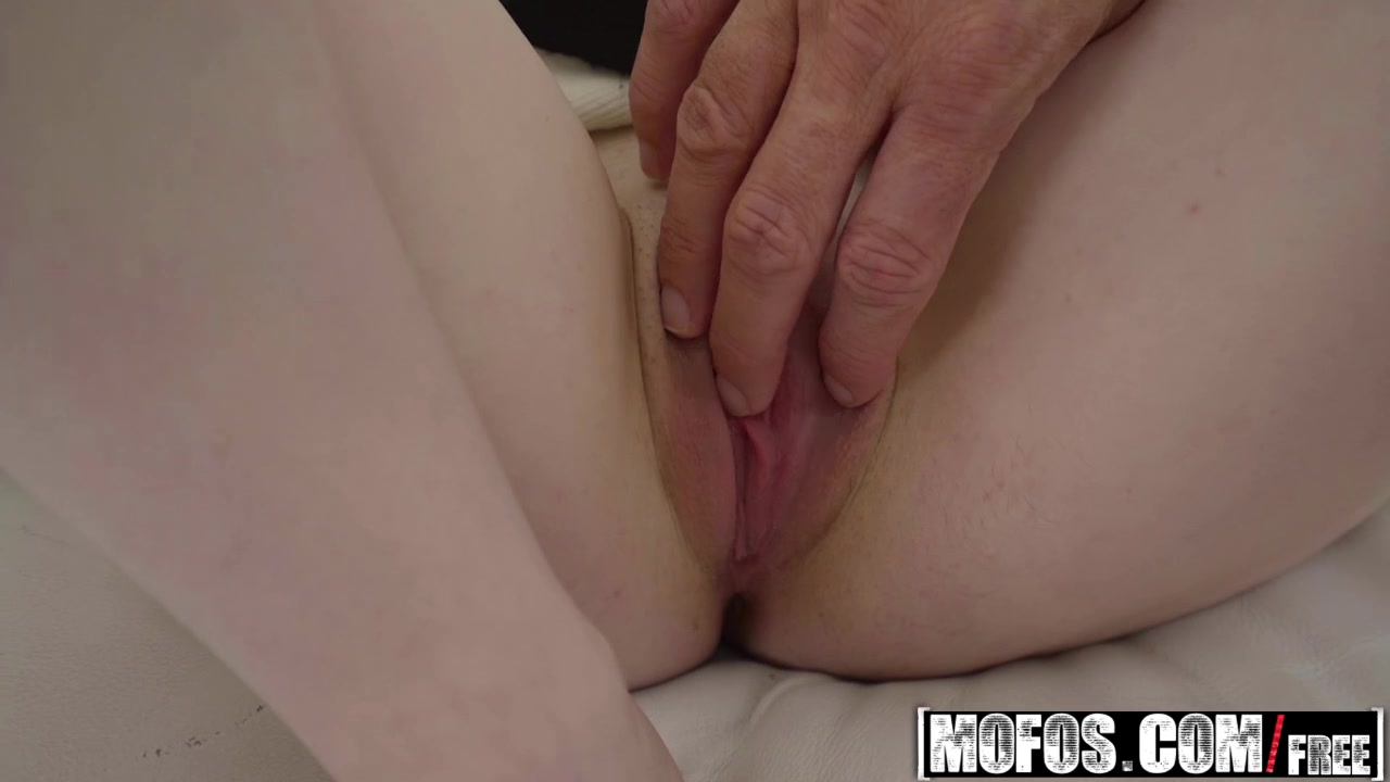 Mofos - Pervs On Patrol - Sean Lawless and Alice Merchesi - Cheating Spinner Loves Big Dick