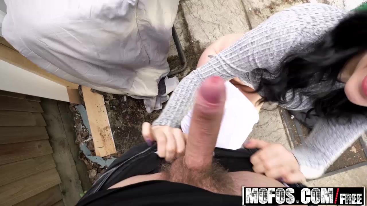 Mofos - Public Pick Ups - Dean Van Damme and Alessa Savage - Cute British Chick Needs Cash