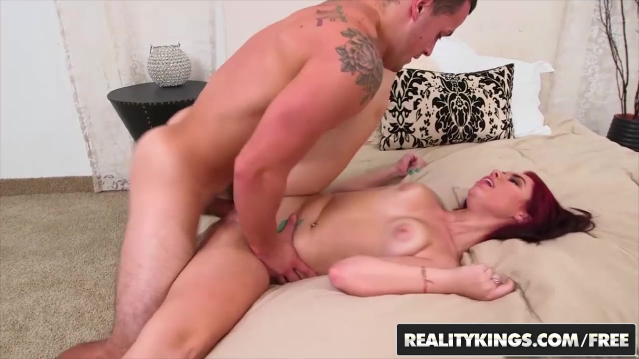 RealityKings - 8th Street Latinas - Austin Cole Brooklyn Rose - The Curve