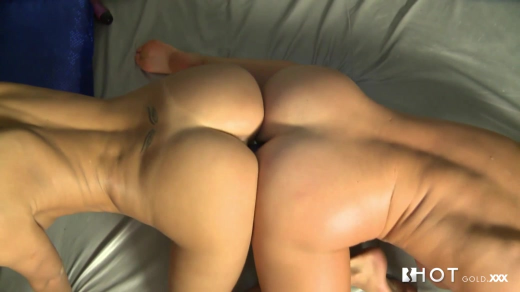 Cathy Heaven & Erica Fontes in Busty Cougar licks Wonky Teen - HotGold