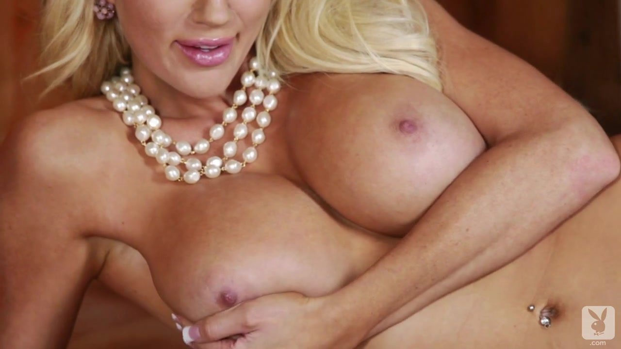 The Parlour Room with Nicolette Shea