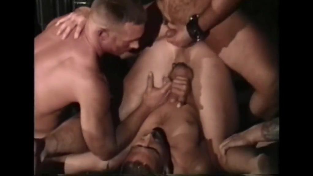 Hung raw dawging amateur