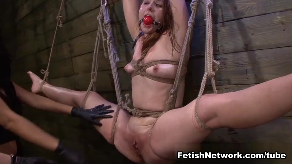 Rose Red Rope Suspension with Lexy Villa & Brooklyn Daniels' Strapons