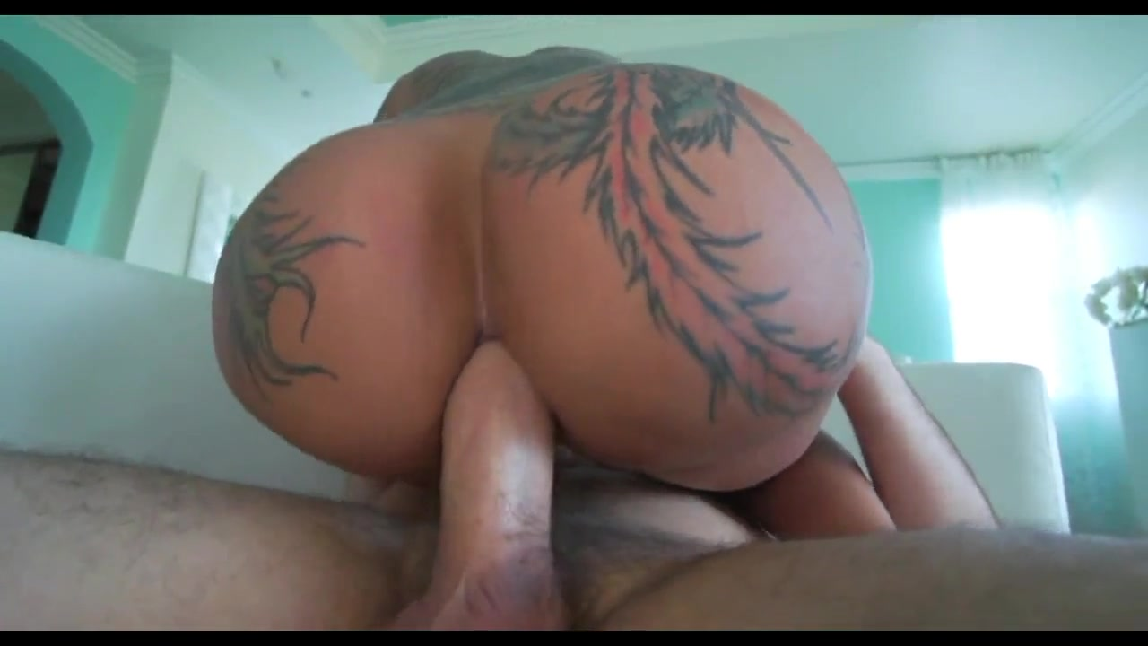 Anal sex featuring brunette with tattooed butt