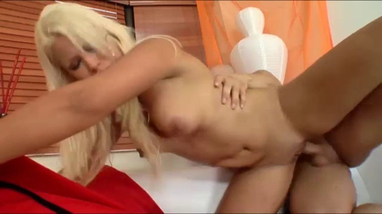 breasty blond spanish hotty is arrested