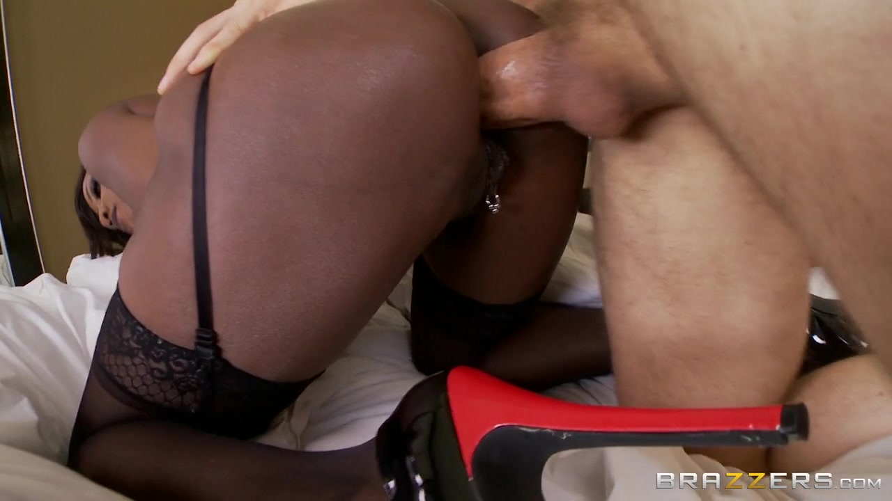 Milfs Like it Big: My Sister-In-Law Is A Whore!. Diamond Jackson, Erik Everhard